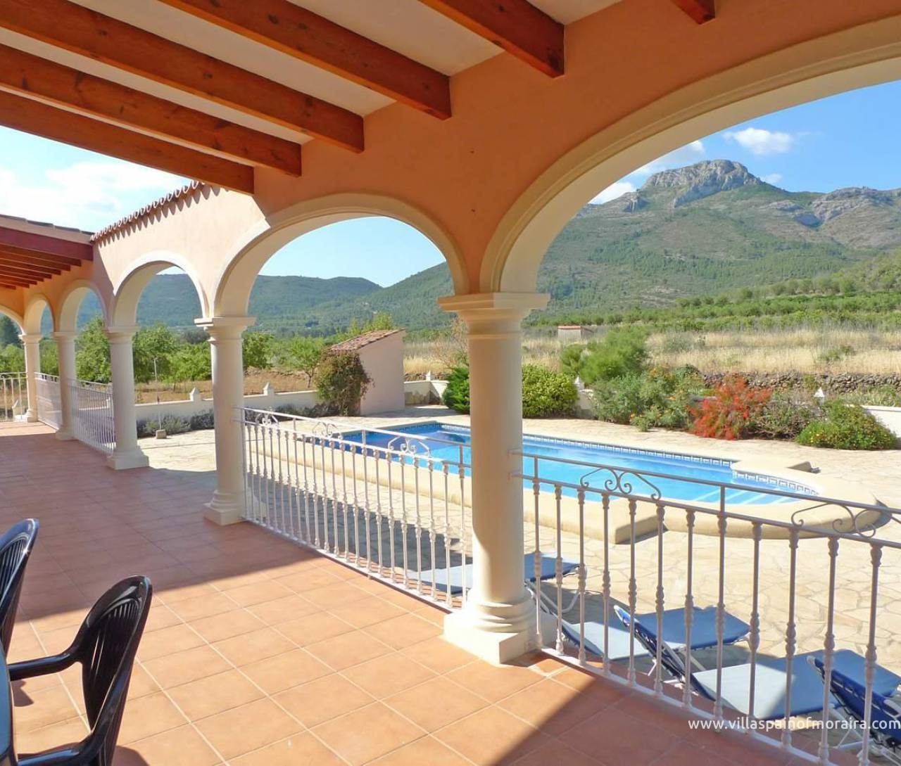Villa for sale in Parcent Jalon Valley